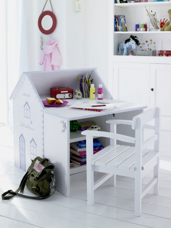 Cool-Kids-desks-for-painting-and-writing-1-554x737