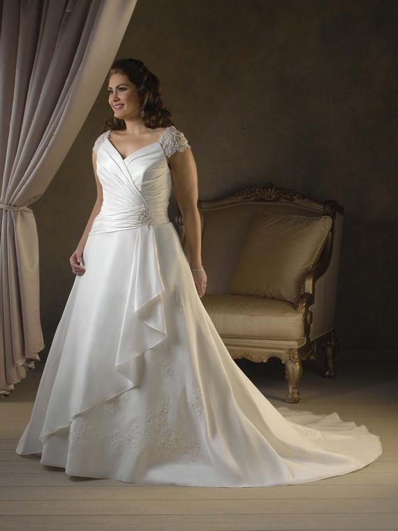 Plus-size-wedding-dresses_10