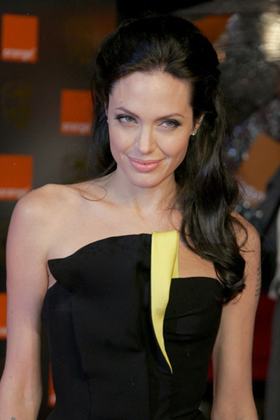 angelina-jolie-hairstyles_12