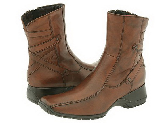 Clarks-Ankle-Boots-10